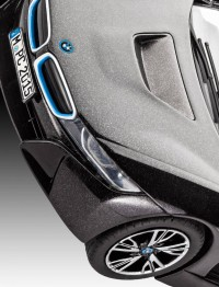 REV07008 BMW i8 Plastic Kit