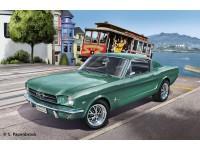 REV07065 1965 Ford Mustang 2+2 Fastback Plastic Kit