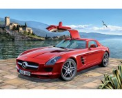 REV07100 Mercedes-Benz SLS AMG Plastic Kit