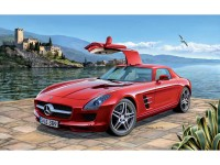 REV07100 Mercedes-Benz SLS AMG Plastic Kit