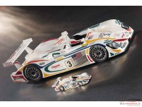 LMM124048 Audi R8 Champion #3  Le Mans 2001 Multimedia Kit