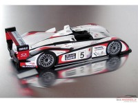 LMM124077 Audi R8 Casio  #5  Winner Le Mans 2004 Multimedia Kit